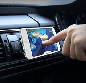 iPhoneの車載ホルダーでおすすめは?ゲル式吸盤やマグネットが人気!